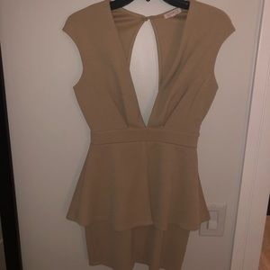 A'GACI Mini Dress Size M Tan